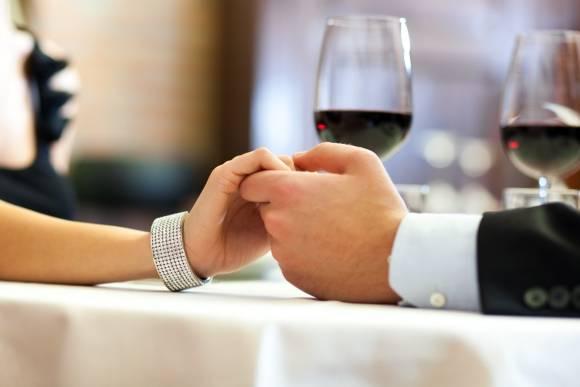 Hingebungsvollen Abend bei einem mehrgängigen Menü und Wein in München genießen