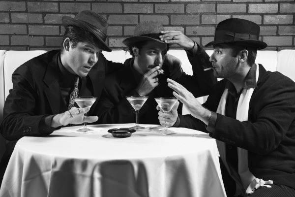 Kann man diesen Personen vertrauen? Eine Krimi-Dinner-Show steckt voller Überraschungen.