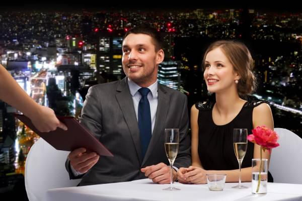 Interessantes Angebot für Genießer: Candle Light Dinner mit Übernachtung für Verliebte